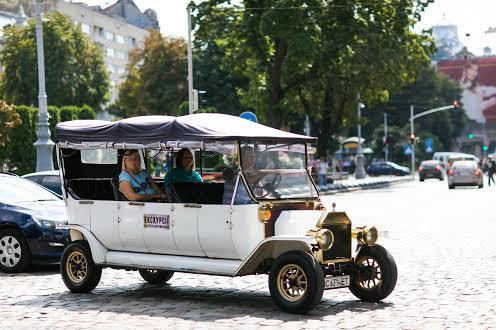 Транспорт в центре Львова