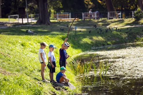 Озеро в парке на Научной