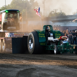 Pulling Tractors For Sale >> Tractor Truck Pull Set For Final Sunday At Fair California Mid