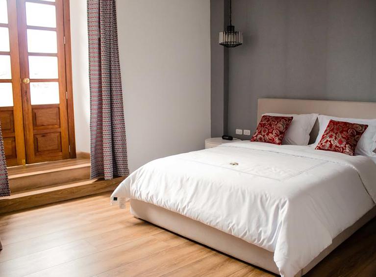 Hotel Adamas House Pareja