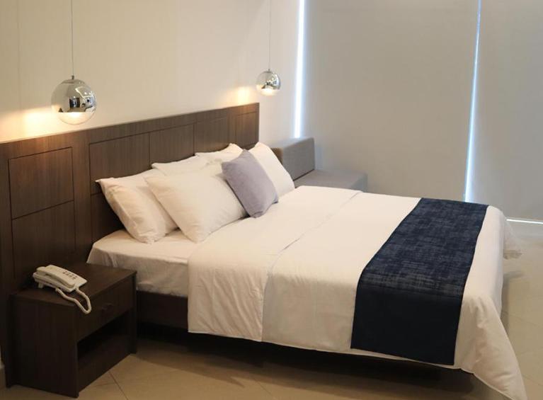 Hotel Navio Pareja