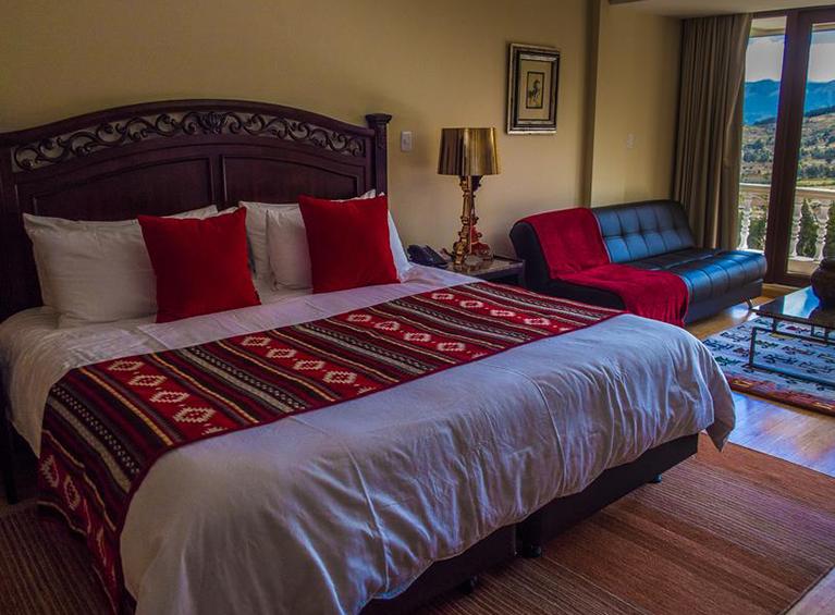 Hotel Medina del Lago Pareja