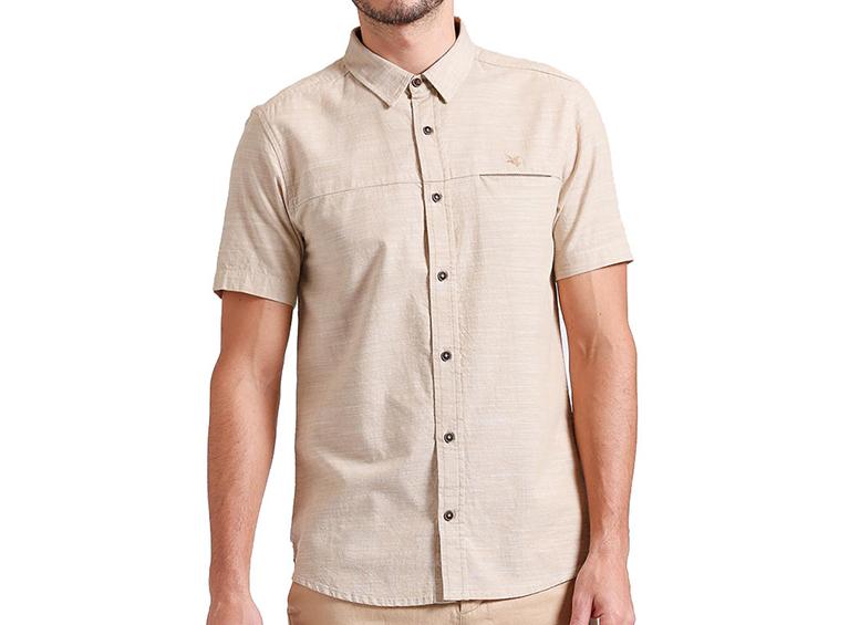 Camisa slim con detalle