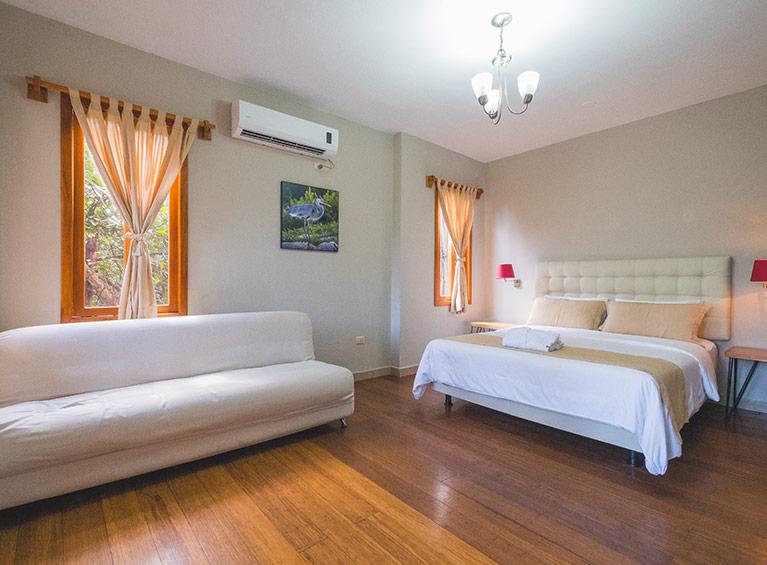 Hotel Galápagos Habitat Pareja