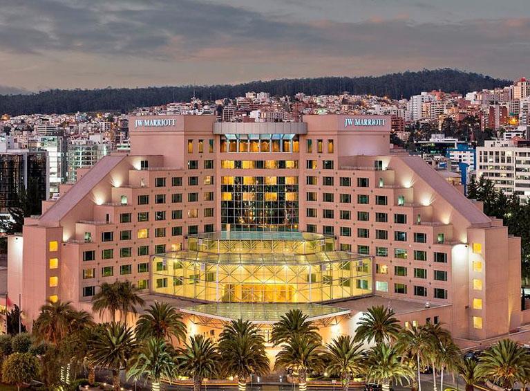 Hotel JW Marriott Pareja