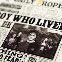 MinaLima - The Daily Prophet - Boy Who Lived Lenticular Notecard