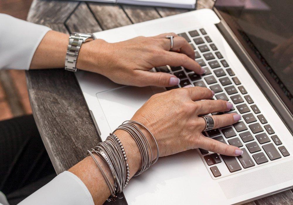 Skrivbord använda dator – söka jobb Mindius