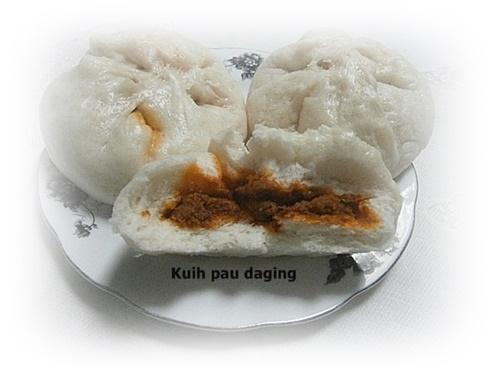 kuih pau rendang