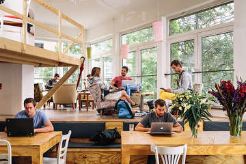 Desk coworking o panorama do coworking no brasil