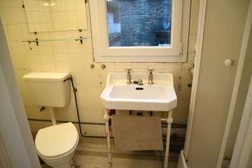 Studio lavabo et wc et douch