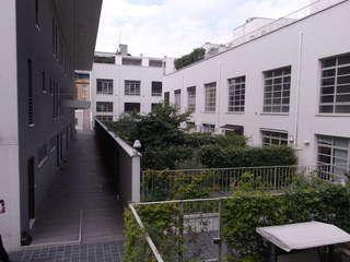 08 house garden