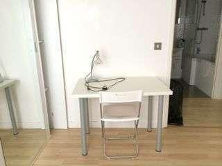 R1 desk 2