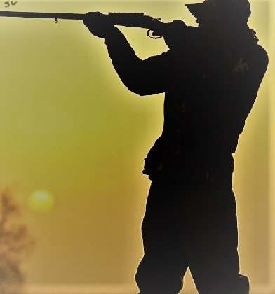 """<p><span style=""""color: rgb(34, 34, 34);"""">В Астаринском районе страны сотрудники правоохранительных органов арестовали браконьеров и вместе с этим не позволили больше незаконно хранить огнестрельное оружие.</span></p><p>Сотрудники полиции засекли двух браконьеров, за незаконным отстрелом диких уток,при том что они не имели разришение для охоты. За незаконной деятельностью (браконьерством) были задержаны два жителя деревень Пенсяр и Бала Шахагадж  Руфуллаев Ильгар и Рустамов Сафар , Так сообщили прессе в Министерстве Внутренних Дел Азербайджанской Республики.</p><p>Изъяли у браконьеров две охотничьих винтовки ИЖ пятьдесят восемь, и повторим на них не было разрешения.На момент их задержания у браконьеров уже были в активе пара застреленных уток.</p><p>В отношении задержаных открыто административное дело по статье двести семьдесят два пункта третьего согласно кодексу об административных проступках Азербайджанской Республики теперь дела направлены в суд.</p>"""