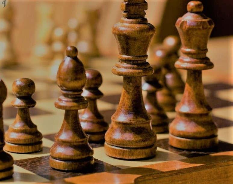 """<p><span style=""""color: rgb(34, 34, 34);"""">На следующий год в Азербайджане могут провести Олимпиаду по шахматам среди спортсменов старше шестнадцати лет. сообщено это было вице-президентом Шахматной федерации страны Гасанов Фаик .</span></p><p><span style=""""color: rgb(34, 34, 34);""""> Олимпиаду по шахматам среди шестнадцати летних вполне возможно проведут в следующем году Н</span>ахичеванской АР<span style=""""color: rgb(34, 34, 34);"""">, отметил Гасанов. Шахматная федерация страны федерацию """"ФИДЕ"""" о том что желают провести командный турнир среди спортсменов старше шестнадцати по шахматам в городе Нахчыван.</span></p><p><span style=""""color: rgb(34, 34, 34);"""">Выбрали этот город для того чтобы шахматный спорт развивался не только в столице, а также на региональном уровне. Таким примером есть супер турнир по шахматам в честь Мемориала Гашимова Вугара , проходящий в городе Шамкир.</span></p><p>Также подметим что в отличии от взрослой Олимпиады ,проходящей раз в два года, проходит каждый год. Решение о том где проводить Олимпиаду среди юношей станет известно в начале 20-го года.</p>"""