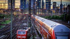 """<p>&nbsp;Eine größere Schließung des Frankfurter Hauptbahnhofs führt am Wochenende von Freitag (25.10.19) bis Sonntag (27.10.19) zu einer Behinderung der Reisenden. Wie die Stadt Frankfurt mitteilt, muss die Strecke wegen der Installation und Erprobung neuer Leit- und Sicherheitstechnologien im Deutschkursnetz (DB) am Frankfurter Hauptbahnhof gesperrt werden. Dies betrifft den Intercity-Verkehr, Regionalzüge und Nahverkehrszüge.</p><p><br></p><p>&nbsp;Die Züge des Fernverkehrs werden größtenteils umgeleitet. Ersatzweise halten sie im Frankfurter Stadtgebiet am Südbahnhof. Vereinzelt kommt es laut DB zu Zugausfällen sowie zu """"verkürzten Linienlaufwegen ohne Bedienung des Frankfurter Stadtgebiets"""", heißt es.&nbsp;</p><p>&nbsp;</p><p>&nbsp;Frankfurter Hauptbahnhof: Fahren Sie nicht zwischen Bahnhof und Flughafen. Von Freitag (25. Oktober 2019) um 19.30 Uhr bis Samstag (26. Oktober 2019) um 14.30 Uhr kann der Frankfurter Flughafen nicht mit dem Zug von Frankfurt aus erreicht werden.&nbsp;</p><p><br></p><p>Mit Bussen vom Hauptbahnhof und vom Südbahnhof zum Flughafen bietet die DB einen Schienenersatzdienst (SEV) an. Er fährt alle zehn Minuten.&nbsp;&nbsp;</p><p>&nbsp;Die Ersatzhaltestellen befinden sich am Hauptbahnhof Frankfurt in der Mannheimer Straße vor dem IC Hotel, am Südbahnhof in der Mörfelder Landstraße 45 sowie am Flughafen am Busbahnhof vor dem Terminal 1.&nbsp;</p><p><br></p><p>&nbsp;Frankfurter Hauptbahnhof: Starke Blockierung des Frankfurter Schienen- und Stadtbahntunnels Am Samstag (26.10.19) von 14.30 bis 9.30 Uhr werden alle Verbindungen zum Frankfurter Hauptbahnhof *, einschließlich des Stadtbahntunnels, blockiert.</p><p><br></p><p><em>&nbsp;Alle aktuellen Informationen zu den S-Bahnen in Frankfurt finden Sie in unserem S-Bahn-Ticker.&nbsp;</em></p><p><br></p><p>&nbsp;Während dieser Phase werden die Haltestellen Frankfurt Hauptbahnhof, Frankfurt Flughafen, Frankfurt Süd, Frankfurt West, Frankfurt Höchst, Offenbach Ost, Rüsselsheim und Zeppelinheim nur d"""
