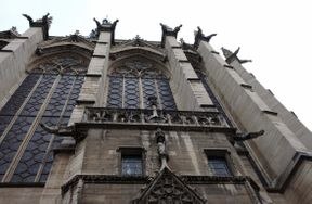 <p>Nous devons essayer de défendre une file assez longue là-bas, même en basse saison, mais une fois arrivé à la cathédrale, les intérieurs que vous verrez et les vitraux exceptionnels vous donneront beaucoup de plaisir.</p>