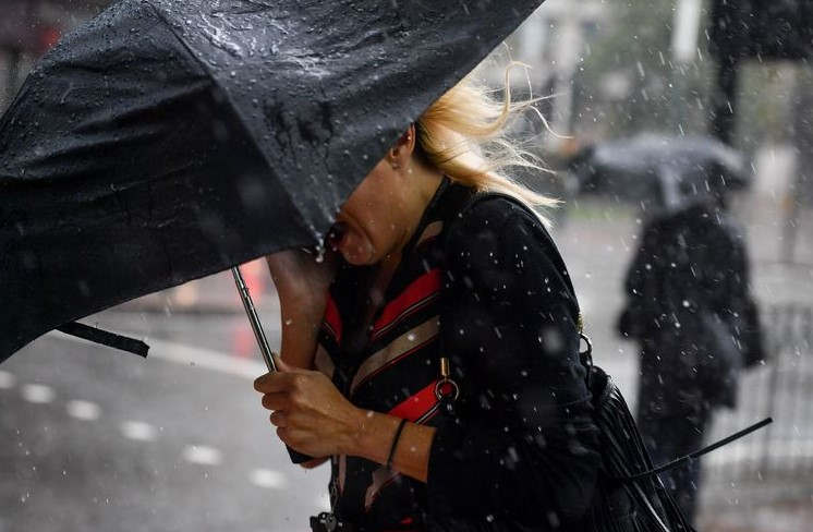 "<p>The Metallurgical Office has issued a Yellow warning for rainfall from midnight tonight (October 5) till 6 pm tomorrow. The eighteen-hour warning covered almost the whole of London along with much of England and Scotland.</p><p>The Metallurgical office declared, ""Heavy rain might result in some transport disruption and flooding in certain places"".</p><p>Some communities may even be completely cut off due to flooding of roads. The rain may start at about 11 pm tonight and continuing until Sunday evening, as per the BBC. There is a small chance of intermittent sunlight accompanied by a moderate breeze.</p><p>The weather will continue to be so until Monday (October 7). The rest of the working week is expected to stay dry.</p>"