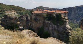 """<h2><strong style=""""color: rgb(0, 71, 178);"""">Εξαιρετική θέα στο βουνό, άνετα μοναστήρια βράχου. Είναι καλύτερο να αφήσετε μια ολόκληρη μέρα για αυτό, ώστε να επιθεωρήσουμε τα πάντα. Αυτά είναι τα καλύτερα που έχω δει πρόσφατα.</strong></h2>"""