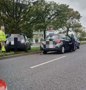 <p>There was a three-car collision on a North Dublin road in which motorists and other people were lucky to escape without any damage or injury.&nbsp;</p><p>This incident took place on Saturday evening on Malahide Road near the Clarehall Jct.&nbsp;</p><p>Emergency services were brought to the place to clear the road and regulate the traffic. Gardai and DFB have also attended the case. A garda spokesperson has confirmed that there is no loss of life after this severe collision.&nbsp;</p><p>However, the two lanes were temporarily blocked. The Dublin Fire Brigade is working on removing the damaged cars from the road.&nbsp;</p><p>The DFB tweeted the photo of the Mahalide Road displaying the condition after the clash of cars.</p>