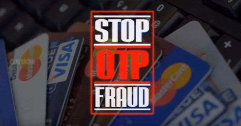 <p>Police officers have arrested a man who used to steal mobile phones, The man used to approach paying guest and used to stay there, He used to make friends with them and then used to steal their mobile phones.</p><p>His crimes do not end here, He also used to take snapshots of the credit and debit cards of his roommates and then used to use their phone for transferring money to his bank account. The Accused used to conduct the crime before the victim even knew that their mobile is missing and their account is debited. Chandan Nagar Police have arrested the men from Nashik.</p><p>The case was revealed when Chaitanya Reddy filed a complaint that his mobile phone is missing, He and Bombale were staying as a paying guest, the accused told Chaitanya that he is taking coaching in Pune.</p><p>According to the FIR, Chaitanya wanted to go to his whom it is when Bombale offered him lift to drop till the station, when Chaitanya came he saw that the accused is missing along with his luggage. He tried finding Bombale he could trace him, When the victim reached home and checked his email, He was shocked that bombable have transferred Rs 1.5 Lakhs from his account with the help of PayTM.</p><p>The accused has been booked under sections 380 and 420 of Indian Penal Code and Information Technology Act 66 (C).</p>