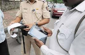 <p>Now the police will check the licenses of only those who break the traffic rules. UP's DGP has directed the police not to stop the vehicles for checking the papers.</p>