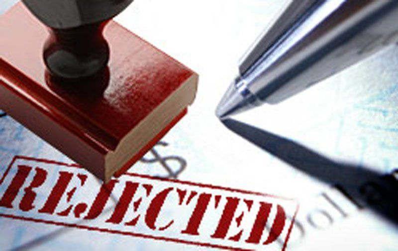<p>चेक बाउंस होने पर एसीजेएम द्वितीय के न्यायालय में धारा 138 एनआईएक्ट के तहत मुकदमे में न्यायालय द्वारा ओम प्रकाश कपूर को एक वर्ष के कारावास एवं 18 लाख रुपये अर्थदंड से दंडित किया गया था।ओम प्रकाश कपूर द्वारा न्यायालय के इस आदेश के&nbsp;विरुद्ध की गई अपील को अपर जिला जज न्यायालय संख्या पांच अभय श्रीवास्तव की अदालत में खारिज कर सजा को बरकर रखा&nbsp;है।</p><p>मामला 2011&nbsp;का ही जब सिविल लाइन निवासी ओम प्रकाश कपूर ने साकेत कॉलोनी निवासी कैलाश चंद्र गुप्ता से 10 लाख रुपयों की मांग की थी। जिस पर कैलाश चंद्र गुप्ता ने छह लाख रुपये नकद तथा माह अगस्त मे तीन लाख रुपये दिए थे। माह अक्टूबर 2011 में पत्नी की बीमारी के उपचार के लिए रुपयों की मांग किए जाने पर छह लाख रुपये सहित कुल 15 लाख रुपये दिए जाने के बाद ओम प्रकाश कपूर ने 15 लाख रुपये की चेक स्टेट बैंक ऑफ इंडिया की दी थी।चेक बाउंस होने पर एसीजेएम द्वितीय के न्यायालय में धारा 138 एनआईएक्ट के तहत मुकदमे में न्यायालय द्वारा ओम प्रकाश कपूर को एक वर्ष के कारावास एवं 18 लाख रुपये अर्थदंड से दंडित किया गया था। उक्त निर्णय के विरुद्ध ओम प्रकाश कपूर ने अपील दायर की थी।</p><p>पूरे मामले को संज्ञान में लेते हुए अपर जिला जज पंचम अभय श्रीवास्तव ने अधीनस्थ न्यायालय द्वारा सुनाई गई सजा बरकरार रखते हुए ओम प्रकाश कपूर की अपील खारिज कर दी।और अदालत के पूर्व एक फैसले को बरक़रार रखा है ।</p>