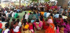 <p>Collector Namit Mehta and District Head Anjana Meghwal at Chaupal on Friday evening in Khiya Gram Panchayat of Jaisalmer.</p>