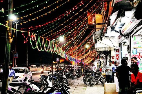 <p>Markets will have to take decorative connections on Deepawali, electricity boards will get electricity at commercial rate</p>