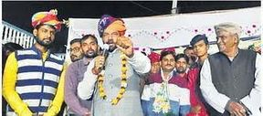 <p>BJP country district minister Kailash Gurjar's fast-unto-death for the appointment of doctors to the vacant posts in the state hospital ended on Saturday evening.</p>