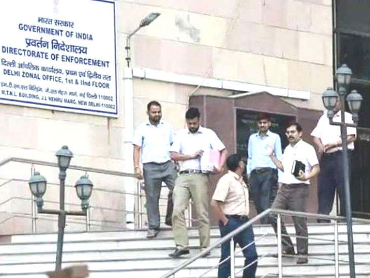 <p> Smugglers are connected to 20 former and current MLAs and other people's representatives</p>