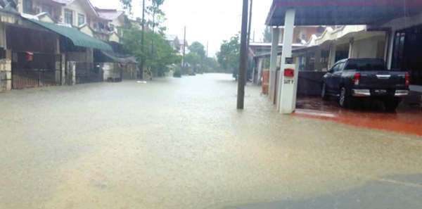 <p>Rainfall continues in many cities of rajasthan including Bhilwara, Kota, In next 24 hour yellow alert is announced by weather department </p>