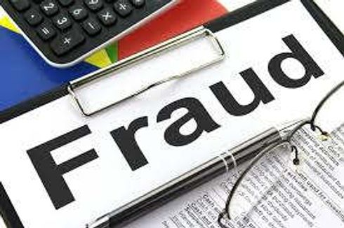 <p>Three people, including a couple who cheated people and took crores of rupees by opening a fake company, have been arrested by the police from Surat in Gujarat. All three were absconding for a long time.</p>
