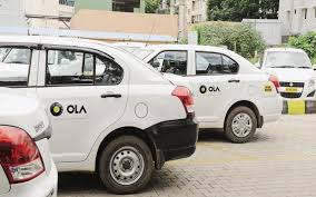 <p>Armed crooks near Noida Police Station Knowledge Park area, robbed the driver of Ola cab, and successfully escaped after robbing his car and mobile phone. Police is investigating the case.</p>