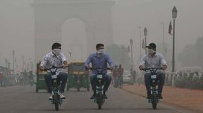 <p>Delhi's air quality once again dipped, after several wind storms and low-temperature people were finding it hard to breathe fresh air. The&nbsp;Air Quality Index on Wednesday changed to 408 compared to 369 on Tuesday.&nbsp;</p><p>The weather department on Wednesday recorded the lowest ever temperature of the season that is 7.4-degree celsius. The department is also predicting rain and high-speed wind due to cyclonic circulation.</p><p>The city saw its worst-ever pollution at the beginning of November due to crop burning and bad weather condition, automobile pollution has some role to play in it as well. The city is expected to see its first spell of dense fog over the weekend, as morning temperatures are expected to dip to 6 degrees Celsius.</p>
