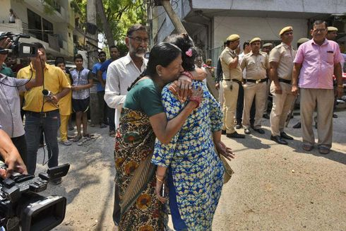 <p>Alcohol Seller was shot dead in front of his brother by a man and his associates in Delhi's Premnagar on Monday Night. As per the Police officer, the victim first humiliated the man for asking free liquor.</p><p>Manish, Neeraj, and Niraj are three accused who were arrested by the police on Tuesday. The suspects took revenge on Ashish Kumar by slapping and humiliating him. Kumar was living with his Girlfriend from the past three years and was disowned by his family for selling illegal alcohol.</p><p>Police received information about a man being shot to which the police reached the location and saw Ashish Kumar being shot below his chest, He was rushed to the hospital but could not be saved. Manish confessed that he was being humiliated by Ashish Kumar and to take revenge he convinced his two friends to execute the killing plan.&nbsp;</p><p>In another incident, Jaspal who contracted laborer was killed by two people who came on the bike in his area and tried to create a disturbance, When Jaspal stopped them he was shot on his face. The accused guddu was caught by the public who thrashed him and then handed him to the police.</p><p><br></p><p><br></p><p><br></p><p><br></p>