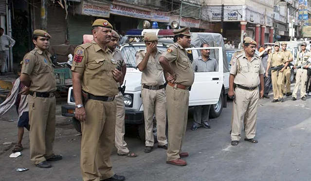 <p>A 46-year-elderly person was discovered dead at his fourth floor living arrangement in southeast Delhi's Jaitpur region on Saturday, police said.&nbsp;The man has been distinguished as Riyazuddin, a craftsman by calling, they said.&nbsp;No note has been found from the recognize, the police said.&nbsp;As indicated by police, the man had a burglary case against him.&nbsp;Procedures have been started and police are enquiring into the issue, authorities said.</p>