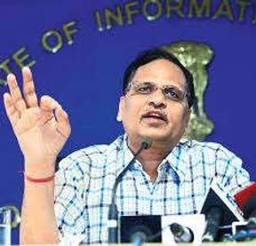 """<p><span style=""""background-color: transparent; color: rgb(0, 0, 0);"""">सीबीआई ने दिल्ली के सीनियर डॉक्टर की नियुक्ति के मामले में दिल्ली के ओएसडी डॉ अंकुश अग्रवाल और डॉ अनूप के खिलाफ आरोप पत्र दाखिल किया है. ऐसा बताया जा रहा है कि दोनों डॉक्टरों की नियुक्ति सत्येंद्र जैन ने की थी. वरिष्ठ अधिकारियों के द्वारा दी गई जानकारी के आधार पर यह बताया गया है. एजेंसियों का यह भी कहना है कि स्वास्थ्य मंत्रालय द्वारा अनुमति दी जाने के बाद ही सीबीआई ने डॉक्टर मोहता के ऊपर कार्रवाई शुरू कर दी थी. </span></p><p><br></p><p><span style=""""background-color: transparent; color: rgb(0, 0, 0);""""><span class=""""ql-cursor""""></span>सीबीआई एजेंसी के मुताबिक डॉ मेहता बाल चिकित्सालय के डायरेक्टर के रूप में रहते हुए डॉ अग्रवाल को सीनियर डॉक्टर के रूप में डायरेक्ट नियुक्ति की थी, उन्होंने डॉ अग्रवाल का इंटरव्यू भी नहीं लिया था. सीबीआई के मुताबिक 2015 में ना तो किसी प्रकार का विज्ञापन जारी किया था और ना ही किसी प्रकार का साक्षात्कार लिया गया था. आरोपपत्र के मुताबिक 6 अगस्त 2015 को डॉ अग्रवाल ने लिखित प्रमाण के रूप में सीनियर डॉक्टर के रूप में काम करने की इच्छा जताई थी जिसके आधार पर उनकी नियुक्ति की गई थी.</span></p><p><br></p><p><br></p>"""