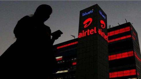 <p>Soon the Foreign stake of Airtel India is going to increase by 84 %. Bharti Telecom holds 41% shares of Airtel while the foreign promoter holding is 21.46%. Bharti Airtel is raising funds to pay dues and other liabilities in the Adjusted Gross Revenue (AGR) case. For which Bharti Telecom has applied for approval to raise investment from Singapore's Singtel and some other foreign companies.</p>