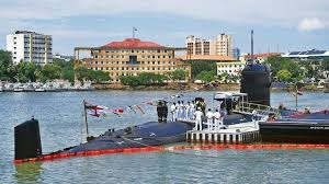 <p>The strength of the Navy has increased with the INS Khanderi meeting in the Indian Navy. INS Khanderi was inducted into the Navy today. Defense Minister Rajnath Singh, who was present in the program, said that this submarine is capable of giving a big blow to Pakistan.</p>