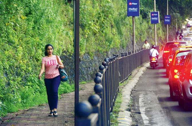 """<p class=""""ql-align-justify""""><span style=""""background-color: transparent; color: rgb(0, 0, 0);"""">The BMC is contemplating working on the development of the aesthetics of the city, especially after taking a padayatra after coming to power in Maharashtra. BMC is also ensuring that pedestrians are given more importance. Initially, the plan was designed only for the fort and surrounding areas, but Pardeshi has now directed officials in the remaining cities to repeat it. In a meeting on Tuesday, the standardization of size, shape, color, street furniture, and direction signs were discussed and decided. Officers were also directed to build railings in mixed-wall locations for better visibility. The plan includes uniform gardens, bus stops, hoardings, dustbins, sidewalk flooring, standard billboards, streetlights, and more. A pedestrian-friendly Mumbai is demanding Shiv Sena MLA and Yuva Sena chief Aditya Thackeray. The civic body had been planning to carry out this task for a long time, on Tuesday, Municipal Commissioner (MC) Praveen Pardeshi directed some ward officials to initiate similar private and public signs around shops across the city. They are ensuring uniform length and width of pavements and roads. Officials were also asked to keep in touch with Google to ensure that the BEST mobile application is well developed. An official who was part of the meeting said that the MC had directed the ward officials to ensure that there are no encroachments on the pavements and that a standardized design should be implemented at the earliest. There should not be a wall on the boundary of the garden. Pedestrians should also be able to enjoy their greenery.</span></p>"""