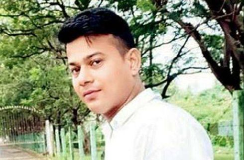 """<p><span style=""""background-color: transparent; color: rgb(0, 0, 0);"""">On Thursday, the CBI informed the Mumbai High Court that there was no enough evidence to charge a case of murder against eight of the police officials of Indian railways, who were accused of torturing a 25 year old young man under their custody in 2014. The division bench of Justices B P Dharmadhikari and Sadhana Jadhav were informed by the agency that eight of the policemen tortured the youngster both sexually and physically in the jail.&nbsp;The young man later succumbed to death after he was knocked down by a running train while he was attempting an escape from the police custody. Angelo Valdaris, the father of the victim, filed a plea at the court and he urged the court to book the accused under section 302 of the Indian Penal Code.&nbsp; As of now, eight of the accused policemen have been booked with sections 338 and 377 respectively.&nbsp;Valdaris was taken into custody by the Mumbai railway station for a petty theft case and he was found dead in April 2014 on the railway tracks. </span></p>"""