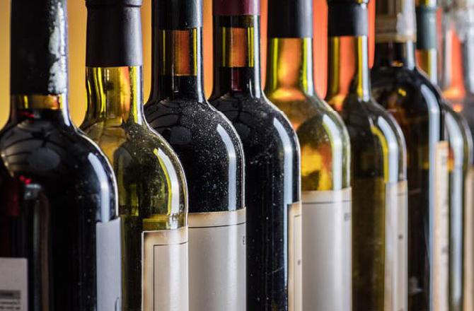 """<p class=""""ql-align-justify""""><span style=""""background-color: transparent; color: rgb(0, 0, 0);"""">A businessman got lime of about 1 lakh rupees after ordering online and got a wine of liquor sitting at home. They searched the wine bottle online and ordered the wine bottle online. He did not even get the bottle, and the fraudster took the details of his debit card and blew 96 thousand rupees. The victim businessman has reported the matter to the police. One of the accused cheated and took more than six onetime passwords from a 50-year-old man who was trying to order alcohol online. He withdrew Rs 96000 from the account of the 50-year-old executive director. The victim was a resident of Breach Candy, found a mobile number online. He called the number to bring some liquor. Police said that they had registered a case of an incident. According to a media report, a police officer said, """"We are seeking information about the suspect's mobile number and bank account details where the money was diverted.""""</span></p>"""