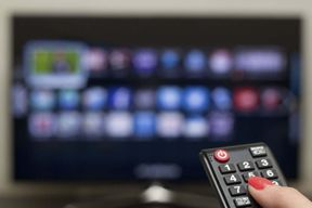 <p>A man scammed a woman by claiming that he is a cable operator, he entered her house and ran away with valuables.&nbsp;</p><p>The man first told the woman that he is giving a connection to two new channels in the area, he then told her for going to the terrace for holding the cable wire.</p><p>He then searched for the gold and cash in her house and ran away with Rs 60,000 worth of Valuables. The victim name is Nisha and she is the resident of Chokkasandra.</p><p>He told the woman to hold the cable wire in a certain angle and went down to check if the two channels are showing on the television. The women just two days before had purchased two gold chains for her children, he took them along with Rs 5000 cash.</p><p>A police complaint has been filed and they are investigating the matter.</p>