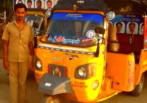 """<p><span style=""""background-color: transparent; color: rgb(0, 0, 0);"""">अहमदाबाद में एक पुलिस ड्राइवर ने फिनायल पीकर अपनी जान देने की कोशिश की दरअसल , उसकी ऑटो रिक्शा पर जुर्माना लगाया गया था  इस जुर्माने की रकम को देखकर उसने फिनायल&nbsp; पीली  दरअसल कुछ महीने पहले उसकी ऑटो रिक्शा को आरटीओ ने अपने कब्जे में ले लिया था सोलंकी नाम के शख्स को जब यह पता चला तो आरटीओ में जाकर पेनाल्टी की रकम को देखा जो कि 18000 थी इसे देखकर उसका दिमाग खराब हो गया और वह&nbsp; फिनायल पी ली   </span></p><p><br></p><p><span style=""""background-color: transparent; color: rgb(0, 0, 0);"""">राकेश सोलंकी के परिवार में दो बेटे हैं, दो बेटे हैं बड़ा बेटा बीएससी कर रहा है और छोटा बेटा सातवीं क्लास में है सोलंकी के परिवार में इकलौता कमाई करने वाला वह खुद है हजार की रकम सोलंकी के लिए काफी ज्यादा है और वह अपने आप को 18000 की रकम भरने में असहज महसूस कर रहा था  </span></p><p><br></p><p><span style=""""background-color: transparent; color: rgb(0, 0, 0);""""><span class=""""ql-cursor""""></span>यही सोचकर उसने फिनल पीकर आत्महत्या करने की कोशिश की ऑटो ड्राइवर राजेश सोलंकी 48 साल का है उसकी ऑटो को दादा साहेब ना पगला के पास पुलिस ने जप्त किया था  जो जुर्माना लगाया गया था जुर्माना भी नए नियमों के अंतर्गत आता है जबकि उसका ऑटो रिक्शा एक महीना पहले ही हुआ था, जब यह रूल लागू नहीं हुए थे परिवार के अनुसार 18000 का जुर्माना लगने के बाद सोलंकी बहुत परेशान थे, उन्होंने आरटीओ से बार-बार जुर्माने की रकम घटाने के लिए बात कही लेकिन ऑडियो गया अधिकारी उसकी एक ना सुने जिससे तंग आकर उसने चैनल पीकर अपनी आत्महत्या करने की कोशिश की </span></p>"""