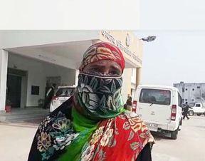 <p>शादी के पांच साल बाद भी पत्नी के बच्चा नहीं हुआ तो पति ने महिला के साथ मारपीट सुरु कर दी । इसी दौरान पति ने&nbsp;महिला कि बहन के साथ अवैध संबंध बनाकर साथ लेकर भाग गया।अब पीड़ित महिला न्याय के लिए पुलिस स्टेशन के चककर लगा रही है। महिला ने पति सहित चार लोगो के बिरुद्ध पुलिस में तहरीर दी है। पुलिस महिला कि तहरीर पर मामले की जांच में जुट गई है।&nbsp;</p><p>पीड़ित महिला ने रिपोर्ट दर्ज कराई है। महिला का कहना है। कि महिला कि शादी को पांच साल हो गए है। शादी के पांच साल बाद भी बच्चा नहीं हुआ तो पति विष्णु प्रताप पुत्र सूबेदार सिंह निवासी लालपुर&nbsp;ने महिला के साथ मारपीट सुरु कर दी। महिला का आरोप है कि पति अक्सर उसके साथ बच्चा न होने का तन मरता रहता था और पीड़ित के साथ गाली गलोच व् मारपीट करता था। महिला अब पति के खिलाफ न्याय के लिए दर दर भटक रही है ।</p><p>महिला ने बताया कि वह अभी तक पति के जुल्मों को सहती रही, लेकिन नौ सितंबर को पति साली को बहला फुसलाकर भगा ले गया। पीड़ित महिला का आरोप है कि पति ऐसी स्थिति में महिला को छोड़ देगा।महिला का कहना है कि पति के इस कृत में उसके पति के परिवार बाले भी साथ दे रहे है। महिला की ओर से पति सहित चार लोगों के खिलाफ नामजद करते हुए रिपोर्ट दर्ज कराई है। पुलिस किशोरी और आरोपी की तलाश में जुट गई है।</p>
