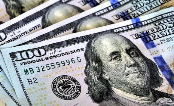 """<p><span style=""""color: rgb(34, 34, 34);"""">Кыргызстан получит пятьдесят миллионов долларов на развитие экономики. Данная информация появилась на одном из порталов страны.</span></p><p><span style=""""color: rgb(34, 34, 34);"""">Согласно полученной информации эта сумма будет получена от Азиатского банка развития, деньги пойдут в непосредственный бюджет страны. Полученная сумма пойдёт на дальнейшее укрепление экономики Кыргызстана, а так же на развитие важных национальных реформ. Тарик Ниязи - глава глава отдела государственного управления АБР заметил, что данные средства могут помочь Кыргызстану быстрее избавиться от зависимости неожиданных экономических факторов. Таких как денежные вливания в государственную экономику от мигрантов. Так же данный перевод поспособствует значительному снижению экономической необходимости в добыче золота.</span></p><p><span style=""""color: rgb(34, 34, 34);"""">Так же стоит заметить, что планируется два перевода по пятьдесят миллионов долларов, первый состоялся в две тысячи девятнадцатом, второй ждут в две тысячи двадцать первом. Второй перевод будет направлен на поддержание важных реформ в таких сферах как: обучение высоко квалифицированных рабочих кадров, развитие отношений между страной и свиным предпринимателем, развитие среднего и малого бизнеса, а так же развитие торговли в несырьевом секторе.</span></p>"""