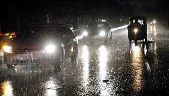 <p><strong>KARACHI: The midnight downpour in various parts of the metropolis made the climate pleasant on Friday, a week after heavy rain damaged the unmanaged electricity and sewage systems of the city.</strong></p><p>In the Karachi areas of Gulshan-e-Iqbal, Gulistan-e-Jauhar, Shahra-e-Faisal, Malir, Airport and Landhi, light to heavy downpour was recorded.</p><p>Some of the areas where it rained was Saddar, II Chundrigar Street, MA Jinnah Road. Various parts of the port city have reported power outages.</p>