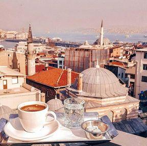 <p>Ev işleri, iş, sürekli kargaşa, şehirlerin donukluğundan sıkıldıysanız, Türkiye'ye hoş geldiniz !!! İşte lezzetli ve ucuz meyveler. İdeal deniz ve plaj (kalış yerine bağlıdır). Ve aynı zamanda bu Alışverişkoliğin Cennetidir))). Henüz Türkiye'ye kim gelmedi, bu güneşli PARADİSE !!! Ve burada ilk defa istirahat etmeyen kimse, coşkulu ünlemimi anlayacaktır</p>