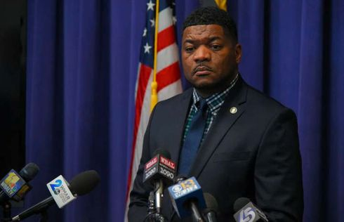 """<p>Press Secretary T.J. Baltimore County. Smith is stepping down from his role on Friday to """"explore other opportunities,"""" County Executive Johnny Olszewski Jr. announced Tuesday.</p><p>Smith was earlier the spokesman for the Baltimore Police Department in the town.</p><p>He will be replaced by Sean Naron, former campaign spokesman for Olszewski, who most recently served as press secretary for former Planned Parenthood leader Dr. Leana Wen, the county said.</p><p>Smith's latest move raises questions about the potential run for the City's Democratic Mayor's appointment. Smith has recognized that he has been considering seeking the top position in Baltimore for some time.</p><p>""""I'm planning to make a big announcement soon,"""" Smith said but refused to elaborate. Smith had previously To campaign for mayor, candidates must reside in Baltimore.said that he had met with running advisers, and had moved from Baltimore County to town this past winter.&nbsp;</p><p>""""I enjoyed my time with the county executive a lot,"""" Smith said. """"It was a great learning experience out there, learning from someone who really cares about the people he serves, and I'm looking forward to my next chapter.""""</p>"""