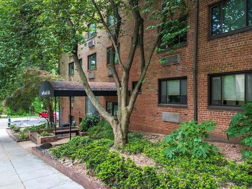 <p>Are you curious about the rent situation in Washington DC? Here is a list of features that you can expect in apartments where you have to pay around $3100 per month as rent. These apartments come under the affordable price range. There is an apartment at 1920 14th St. NW, which costs $3021 per month. It is 794 square feet, one-bedroom, and one bathroom apartment. You will get a dishwasher and hardwood flooring. Another location that promises a gym and garage parking is available for $3023 per month, and you will get one bedroom and one bathroom spread over 830 square foot carpet area. Based on such listings, it is not exaggerating to say that finding a home in Washington DC is not easy on the pocket.</p><p>&nbsp;</p><p>&nbsp;</p><p><br></p>